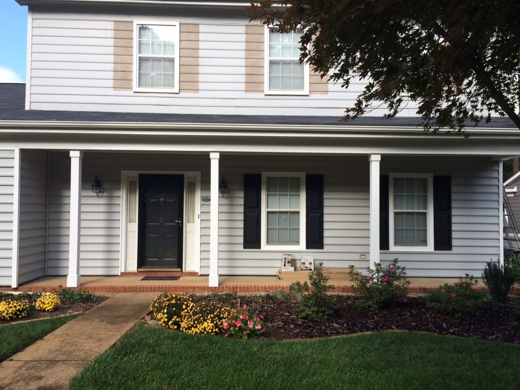 Huntersville Vinyl Siding Replacement and Porch Upgrade Project: