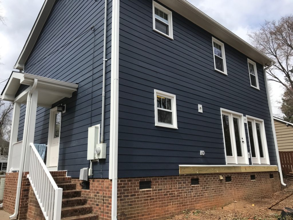 Charlotte HardiePlank Siding Replacement on Selwyn Ave