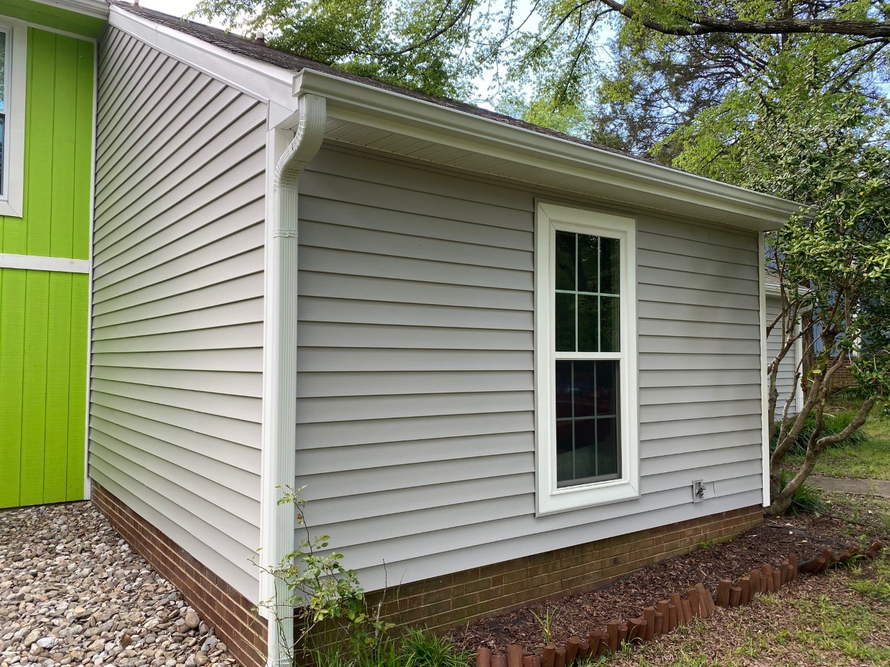 South Charlotte Duplex Features New Mastic Vinyl Siding, Improving Curb Appeal and Durability